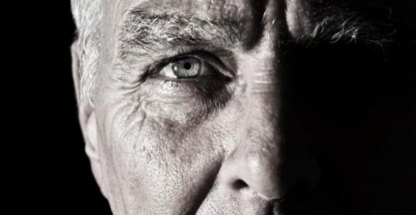 40歳からのレーシック!老眼治療リーディングアイについて徹底解説